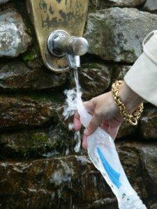 Lourdes_water_2128848b-15y48xi